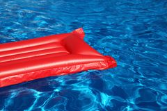 Freiluftswimmingpool stockfoto