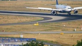 Freinage de Lufthansa Airbus A330 clips vidéos
