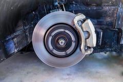 Freins à disque, arrêtant la coupure, la suspension de voiture et la voiture soutenant le concept -3 de pièces photographie stock
