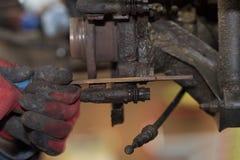 Freio de disco do reparo - freio de mão, que foram substituídas no imagem de stock royalty free