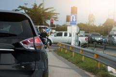Freio dos carros na estrada Imagens de Stock Royalty Free
