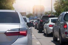 Freio dos carros na estrada Fotos de Stock