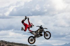 Freistilmotocrossshow lizenzfreie stockfotos