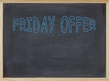 Freitag-Angebotfleisch geschrieben auf eine Tafel Stockfotos