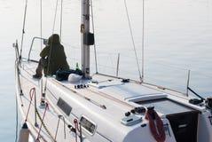 Freizeit auf einem Segelboot Lizenzfreie Stockfotos