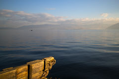 Freizeit am Erhai See lizenzfreies stockbild