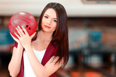 Freizeit im Bowlingspielverein lizenzfreie stockfotografie