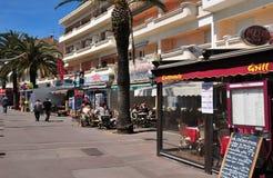Frejus; Frankrike - april 14 2016: shoppar Royaltyfria Foton