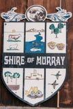 Fremantle, Australië - November 25 2009: Het wapenschild van Graafschap van Murray in Westelijk Australië heeft witte achtergrond stock foto