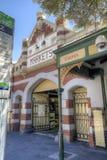 FREMANTLE, AUSTRALIA OCCIDENTAL - 16 de noviembre de 2014 - el edificio famoso del mercado del fin de semana de Fremantle Imagen de archivo