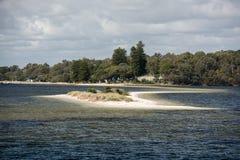 Fremantle de la bahía de Perth por las casas del mar foto de archivo