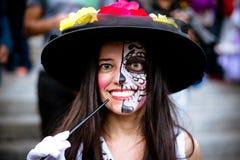Fremde Frau in catrina Kostüm Lizenzfreie Stockbilder