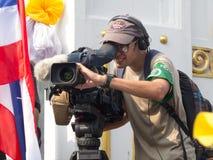 Fremder Journalist an einem Ereignis die Proteste in Thailand. Stockfotos