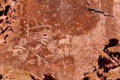 fremont印第安公园刻在岩石上的文字状态 库存照片
