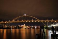 Fremont Brücke über Willamette Fluss Lizenzfreie Stockbilder
