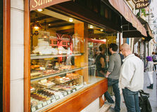 French bakery queue PAris, France pastries sweet food Stock Photo