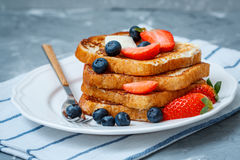 French toast with berries Royalty Free Stock Photos