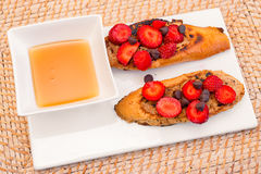 French Toast with Strawberries Royalty Free Stock Photos