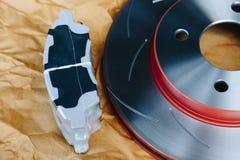 Freno de disco es una parte de uso del coche para la parada el coche Foto de archivo libre de regalías