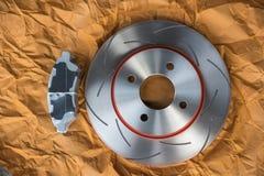 Freno de disco es una parte de uso del coche para la parada el coche Imagen de archivo
