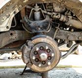 Freno de disco y detalle delanteros del montaje de la rueda Imagen de archivo