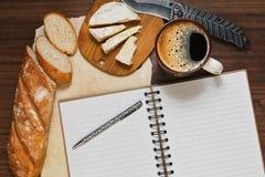 Freno del café con queso francés Fotos de archivo