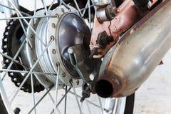Frenos de tambor con la motocicleta posterior Imagenes de archivo