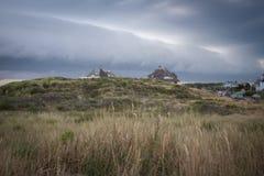 Frente asustadizo de la tormenta sobre las dunas imágenes de archivo libres de regalías