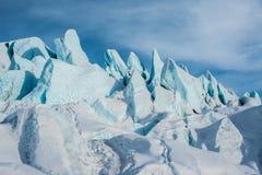 Frente azul de los E.E.U.U. de las torres del hielo del glaciar del flujo glacial Fotografía de archivo