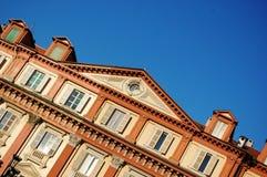Frente clásico del edificio Imagen de archivo libre de regalías