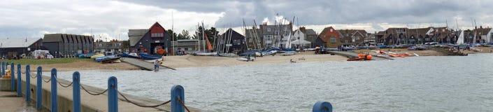 Frente de la casa barco y de mar de la vida panorámico Fotografía de archivo