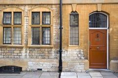 Frente de la casa inglesa Imágenes de archivo libres de regalías
