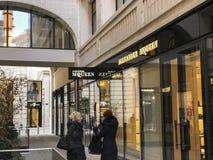 Frente de la tienda de Alexander McQueen Fotografía de archivo