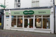 Frente de la tienda de los ópticos de Specsavers en Hexham Foto de archivo libre de regalías