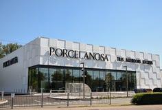 Frente de la tienda de Porcelanosa imágenes de archivo libres de regalías
