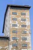 Frente de un edificio viejo de la fábrica Imágenes de archivo libres de regalías