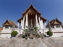 Frente de un templo asiático Fotografía de archivo libre de regalías
