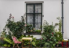 Frente de una casa holandesa vieja fotografía de archivo