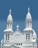 Frente de una iglesia católica imagen de archivo