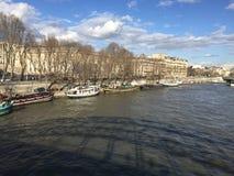 Frente del agua de París Fotografía de archivo libre de regalías