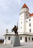 Frente del castillo de Bratislava imagenes de archivo