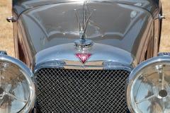 Frente del coche clásico de Alvis que es exhibido en la demostración imagen de archivo libre de regalías