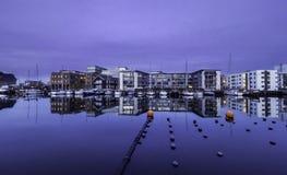 Frente del puerto sobre la hora mágica Imagenes de archivo