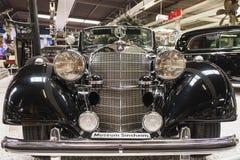 Frente del vintage Mercedes negro foto de archivo libre de regalías