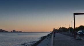 Frente marítima em Lisboa - noite fotografia de stock royalty free
