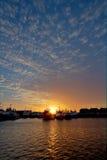 freohamn över solnedgång Arkivfoton