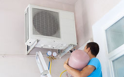 Freon air conditioner refill Royalty Free Stock Photos