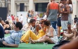 Frequentadores do festival que apreciam o festival da sonar Fotografia de Stock Royalty Free