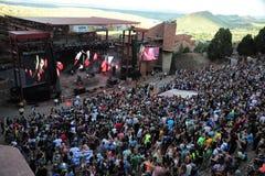 Frequentatori di concerto al festival globale di ballo immagine stock libera da diritti