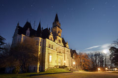 Frequentiertes Schloss - Slowakei stockbild